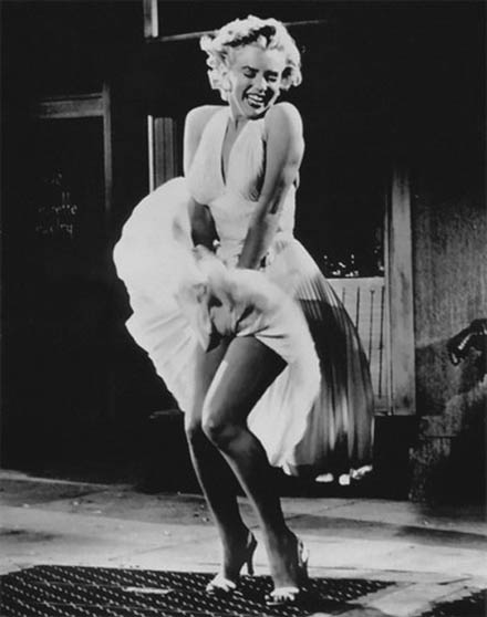 https://wizjalokalna.files.wordpress.com/2011/12/marilyn-monroe-skirt-flying.jpg?w=780