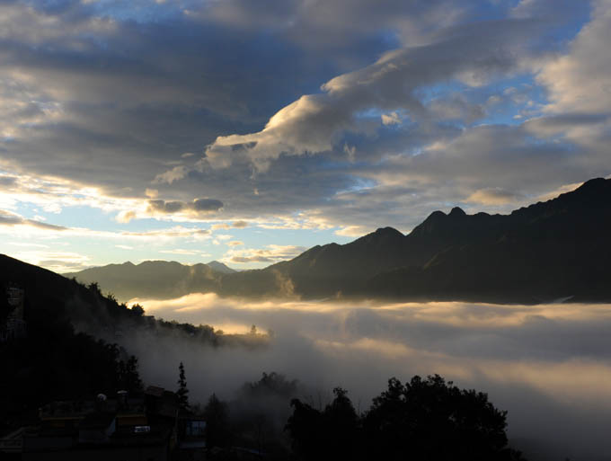 https://wizjalokalna.files.wordpress.com/2012/01/sapa-sunrise.jpg