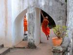 Mnisi buddyjscy Luang Prabang Laos jałmużna(3)