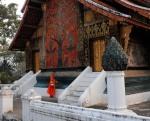 Mnisi buddyjscy Luang Prabang Laos jałmużna(9)