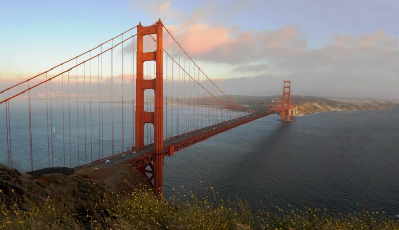 Na krańcach kontynentu (Golden Gate Bridge, w tle na horyzoncie: San Francisco)