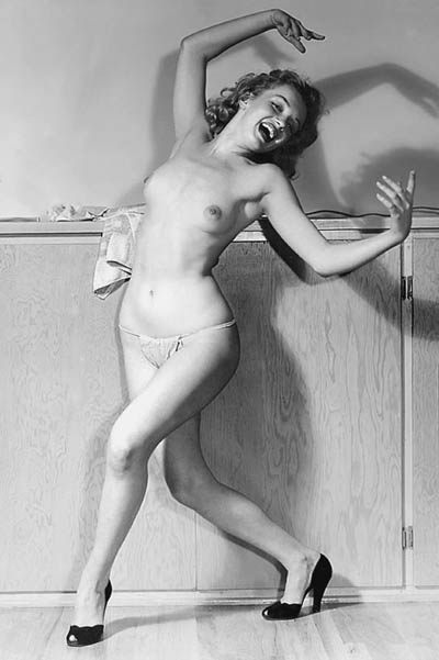 https://wizjalokalna.files.wordpress.com/2013/03/marylin-monroe-topless.jpg?w=780