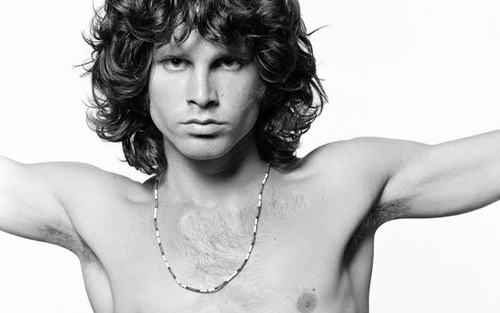 Jim Morrison - bożyszcze, prorok, heros, szaleniec, dandys, bufon, straceniec, poeta, grafoman?