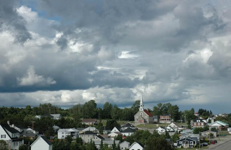 Chmury jak u Constable'a (jedno z miasteczek w Dolinie Św. Wawrzyńca)