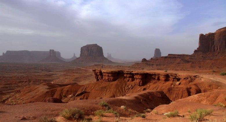 Krajobraz nieskażony cywilizacją - taki sam jak przed tysiącami lat (Dolina Monumentów w Arizonie, ziemia Indian Navaho)