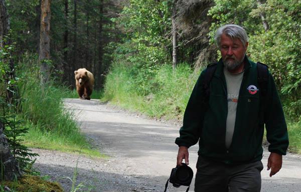 https://wizjalokalna.files.wordpress.com/2013/11/andrzej-i-grizzly1.jpg?w=780