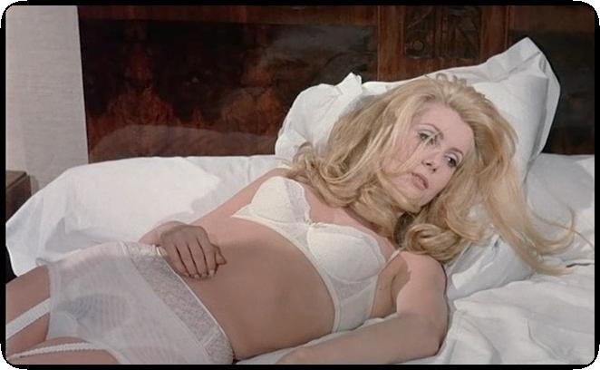 """Catherine Deneuve w """"Piękności dnia"""" (1967)"""