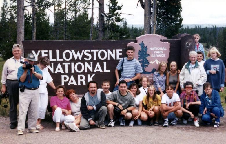 Wspomnienie szalonych czasów: z jedną z gru w Parku Narodowym Yellowstone