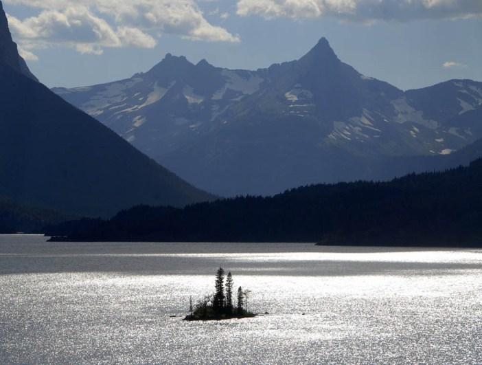 Widok na Saint Mary Lake i Wild Goose Island – Park Narodowy Lodowców w Montanie