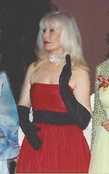 Loretta Switt na balu Polonaise (1993) - młodsza i piękniejsza niż przed 20 laty, kiedy występowała (jako Hot Lips) w serialu tv M*A*S*H*