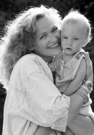 Edyta Geppert: moje spojrzenie na wszystko, na świat cały, po urodzeniu Miecia, zmieniło się na bardzo pozytywne. Zupełnie zmienił się mój punkt widzenia. (Fot. East News)