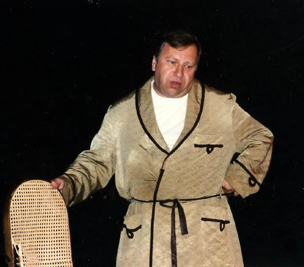 """Jerzy Stuhr w monodramie """"Kontrabasista""""  (zdjęcie własne)"""