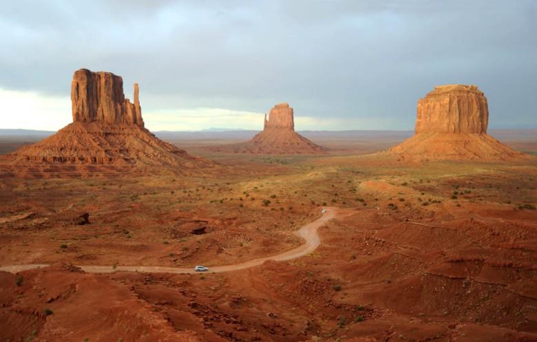 Dolina Monumentów leży na terenie rezerwatu Indian Navaho w Arizonie