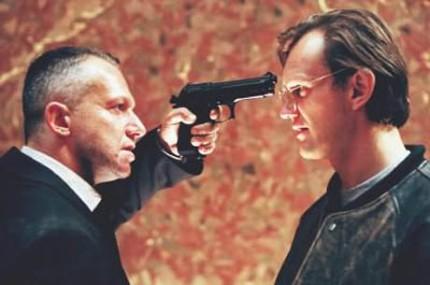 """""""Psy II. Ostatnia krew"""", czyli jak świat gangsterów wyobrażają sobie twórcy polskiego kina amerykańskiego."""