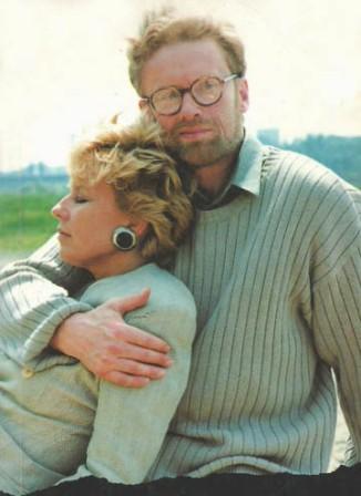 """Miłość i wierność małżeńska, cudzołóstwo i moralne rozdarcie... """"Myślałam, że w kraju, gdzien wszyscy mówią, że są katolikami, warto taką historię opowiedzieć."""" (Krystyna Janda i Daniel Olbrychski w filmie """"Pestka"""")"""