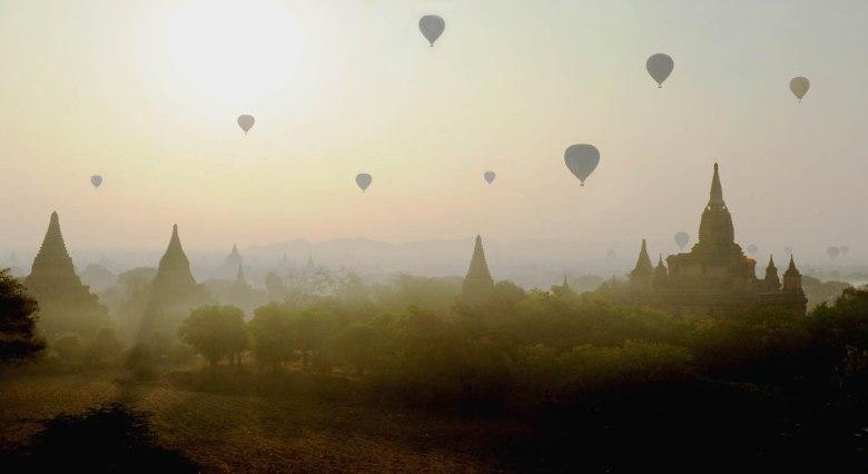 balony nad Baganem
