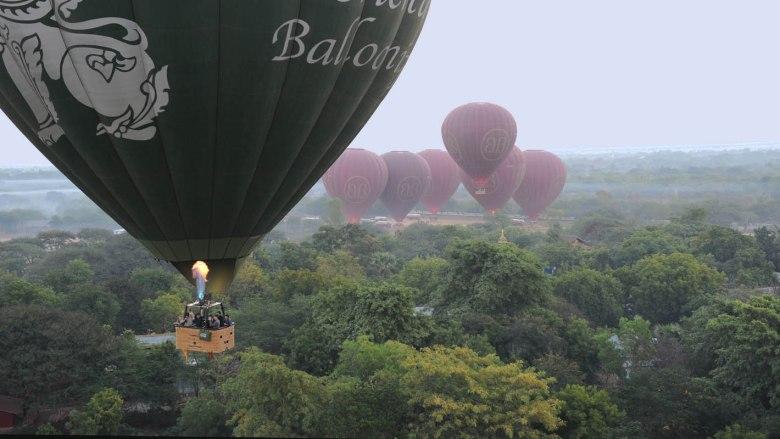 w balonie nad Baganem