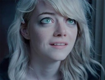 """Sam (Emma Stone) robi wielkie oczy w """"Birdmanie"""""""