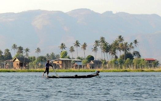 Jezioro Inle - rybacy przy pracy (6)