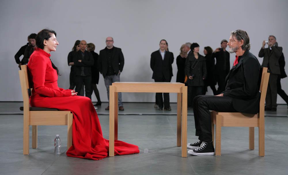Patrzenie prosto w oczy - największym wydarzeniem artystycznym XXI wieku? scott.rudd@gmail.com
