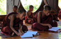 Klasztor Shwe Yan Pyay - Birma; fot. Stanisław Błaszczyna (11)