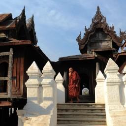 Shwe Yan Pyay Monastery - Birma, fot. Stanisław Błaszczyna (1)