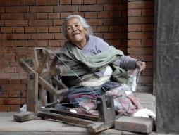 Wesoła prząśniczka z Katmandu (NEPAL)