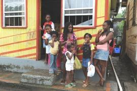 W drodze ze szkoły na St. Lucia (KARAIBY)