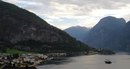 osada Aurland nad Aurlandsfjord
