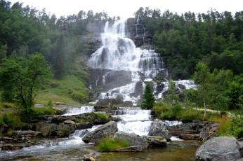 wodospad Tvindefossen w pobliżu Voss