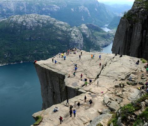 najsłynniejszy granitowy stół w Norwegii - Preikestolen