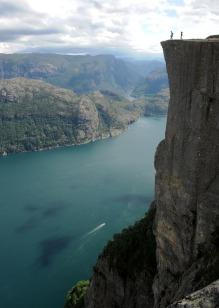 Lysefjorden ze stromizną Preikestolen