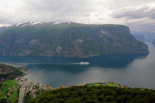 prom - niezawodny środek lokomocji po fiordach (Aurlandsfjord)