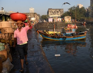 Sassoon Docks - Bombay (30)