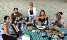 Kajmany, fot. Stanisław Błaszczyna (39) - piknik na plaży