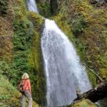 Jeden z wodospadów nad rzeką Columbia (Oregon)